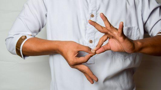 sign language during pandemic